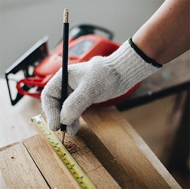 Learning_square_385_0007_builder-building-carpenter-1573829.jpg